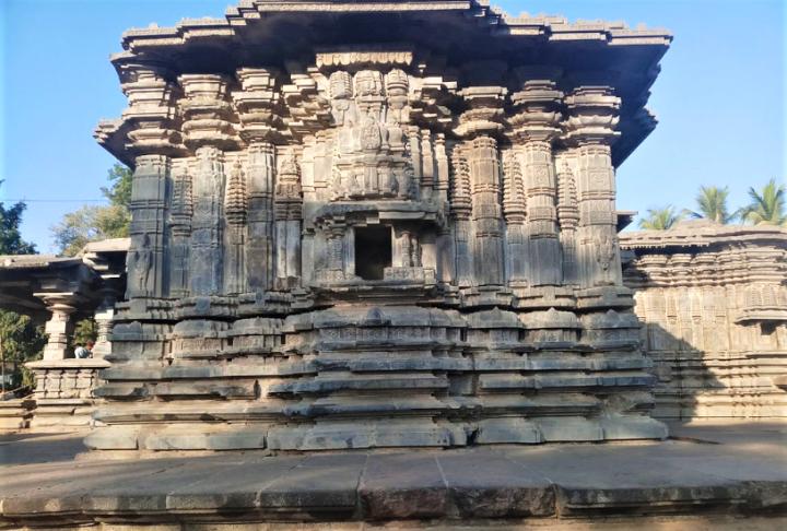 Astounding Architectural Marvel at The Thousand Pillar Temple –Warangal
